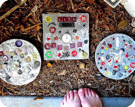 beautiful diy stepping stone ideas  decorate garden