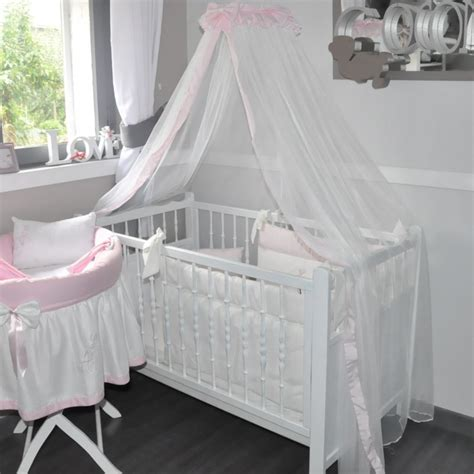 ciel de lit de bebe en voile rose poudre