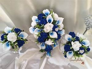 White & Blue Centred Calla Lilies With Roses & Heart
