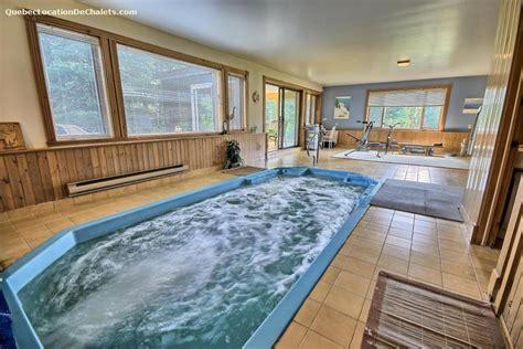 chalet a louer avec piscine chalet 224 louer laurentides mont tremblant chalet 033 avec piscines spa sauna id 8677
