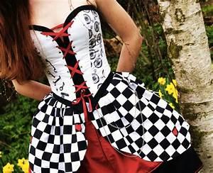 Alice Im Wunderland Kleidung : alice in wonderland dress violet clothes 11 steampunk kleider und boho ~ Frokenaadalensverden.com Haus und Dekorationen