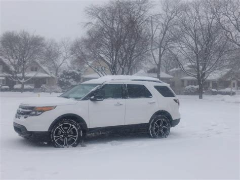 ford explorer  chicago snow unrated flair