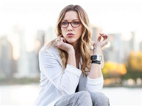 katie cassidy backgrounds pictures images