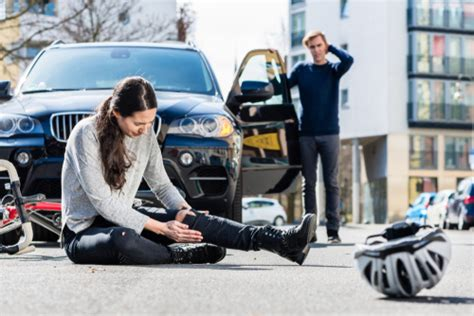 Common Types Of Leg Injuries From Car Accidents