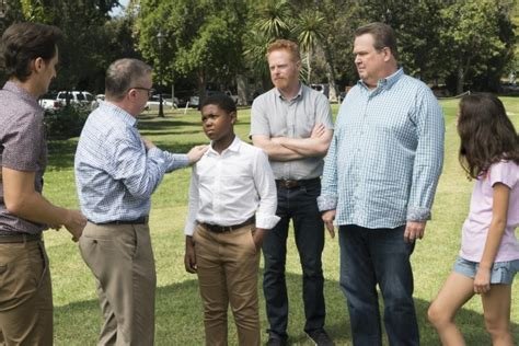 modern family air dates modern family season 9 uk episode guide air dates news spoilers