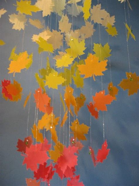 Herbstlaub Basteln Blaetter Deko Aus Papier by Autumn Leaves Paper Chandelier Mobile Large Herbst