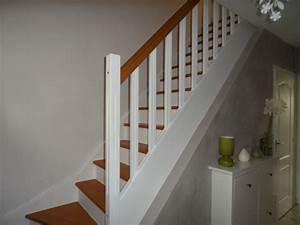 Entree photo 2 3 la prochaine etape peindre le mur for Peindre un escalier en gris 2 escalier deco peint en blanc marches et rambarde en bois