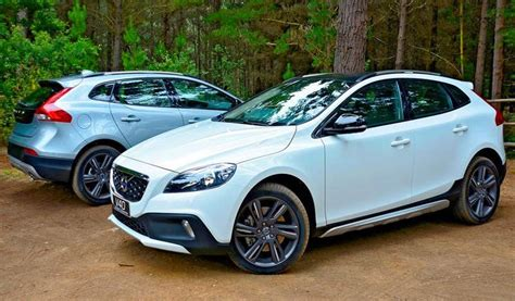 volvo v40 cc all about cars volvo v40 cc d4 vs mercedes gla 200 cdi