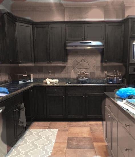 hometalk vs light kitchen cabinets