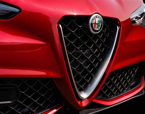 Alfa Romeo Details Giulia Quadrifoglio In New Video And