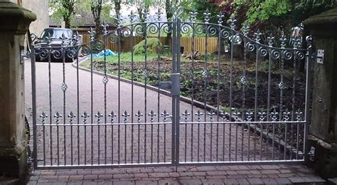 iron gates bespoke iron gates   midlands iron design