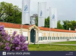 Porzellan Bemalen München : porzellanmanufaktur stockfotos porzellanmanufaktur bilder alamy ~ Markanthonyermac.com Haus und Dekorationen