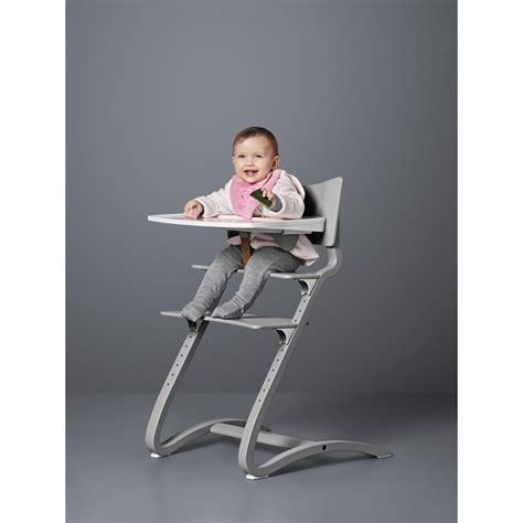 chaise haute bebe fille tablette chaise haute blanc leander design bébé