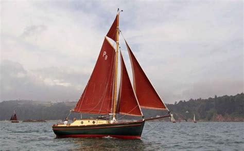 gaff cutter tamarisk topsail boat sailing
