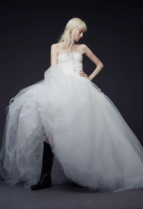 Vera Wang Fall 2015 Wedding Dresses Are Cool And Seductive