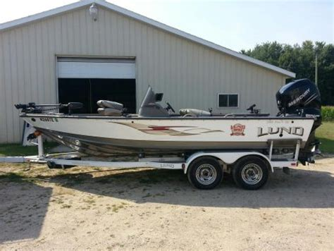 Craigslist Used Boats In Michigan by Lund New And Used Boats For Sale In Michigan