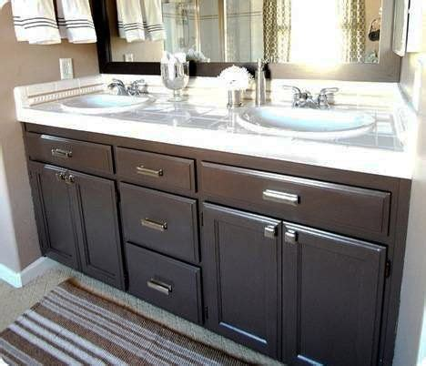 latex paint on cabinets turn your builder 39 s grade oak vanity into a thing of
