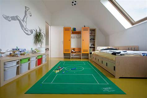 sport en chambre déco chambre enfant 50 idées cool pour enjoliver les murs