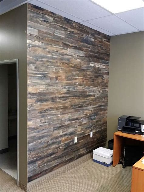 pallet wood accent wall 25 decor projects made from wood diy to make