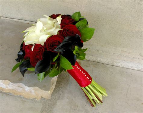 How To Arch Calla Lilies