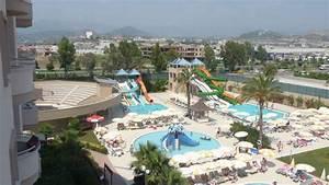 quotpools mit rutschen und amphitheaterquot hotel royal garden With katzennetz balkon mit hotel royal garden alanya