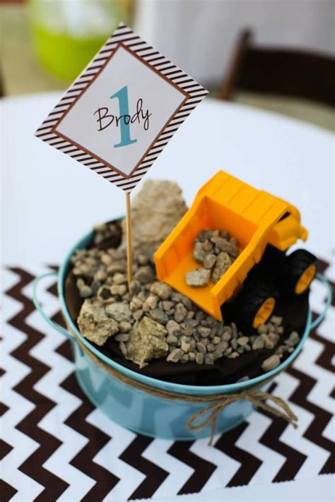 construction truck themed 1st birthday party planning ideas kara 39 s party ideas modern construction themed 1st