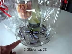 gutschein hochzeitsgeschenk geschenk sektflasche und gläser originell verpackt weinflasche hugo prosecco