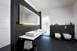 Carrelage Noir Salle De Bain : 101 photos de salle de bains moderne qui vous inspireront ~ Dailycaller-alerts.com Idées de Décoration