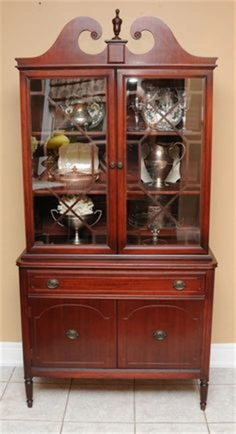 duncan phyfe china cabinet 1940 s duncan phyfe