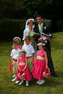 Tenue Garçon D Honneur Mariage : enfants d 39 honneur fuchsia et vert anis ~ Dallasstarsshop.com Idées de Décoration