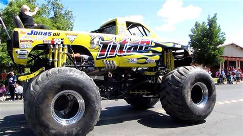 monster trucks you tube videos titan monster truck youtube