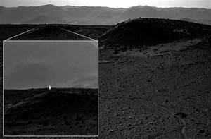Mysterious 'artificial' light appears on NASA's Mars image ...