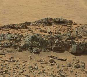 """Did Curiosity snap image of a mysterious """"creature"""" on Mars?"""