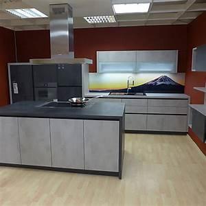 Küche In Betonoptik : schmidt k chen musterk che grifflose moderne k che in ~ Michelbontemps.com Haus und Dekorationen
