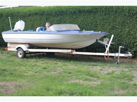 15 Ft Boat by 15 Ft Boat 750 Or Trade Outside