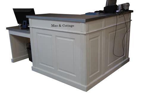 banc coffre cuisine comptoir de boutique en angle sur mesure