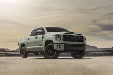 Including destination charge, it arrives with a manufacturer's suggested retail price (msrp) of. Could the 2022 Toyota Tundra Get a Hybrid Engine from Lexus?