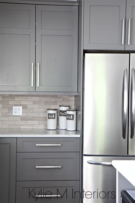 kitchen cabinets backsplash ideas kitchen cabinets painted benjamin amherst gray