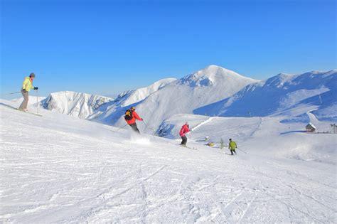 station ski mont dore station de ski en auvergne s 233 jour ski en auvergne vacances 224 la neige en auvergne