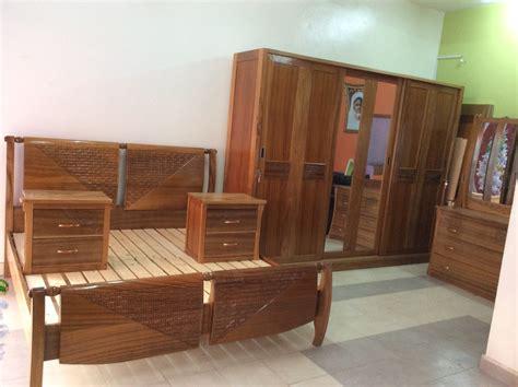 chambre a coucher bois chambre a coucher en bois senegal mzaol com