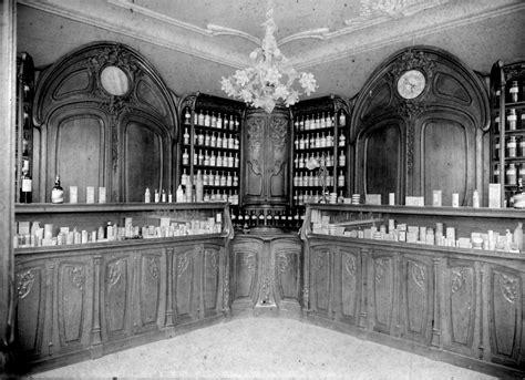 la chambre de commerce et d industrie les boiseries nouveau de la pharmacie jacques