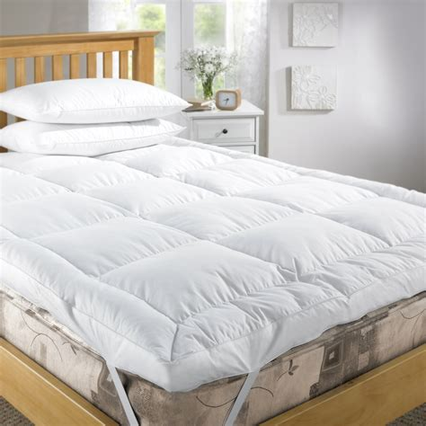 feather mattress topper everything you need to about feather bed topper