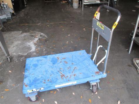 global industries mobile scissor lift table stock cart 1100lbs capacity 36 24