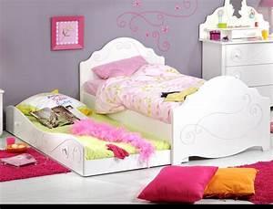 Bett Hochglanz Weiß 90x200 : kinderbett anne 90x200 wei lackiert bett mit bettkasten kinderzimmer wohnbereiche kinder ~ Markanthonyermac.com Haus und Dekorationen