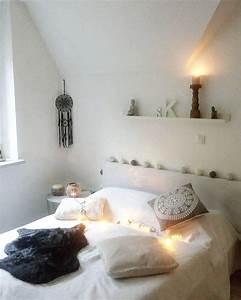 Lichterkette Im Zimmer : die besten 25 schlafzimmer lichterkette ideen auf pinterest foto kopfteil bett baldachin mit ~ Markanthonyermac.com Haus und Dekorationen