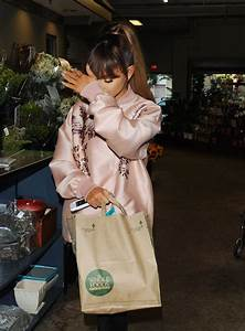 Ariana, Grande, Shopping, At, Whole, Foods, In, Beverly, Hills, 08, 02, 2016, U2013, Hawtcelebs