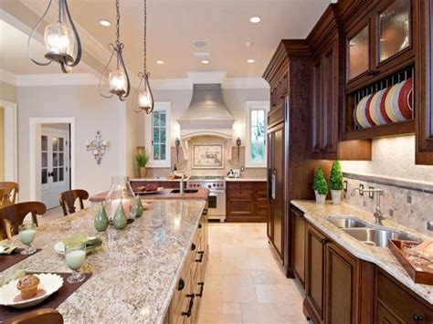 Nautical kitchen decorating ideas, light gray walls with