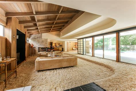 sale midcentury lake forest ranch  sunken shag living room curbed chicago