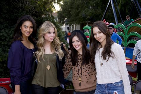 Pretty Little Liars Premieres Monday! | TigerBeat
