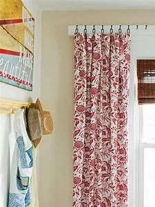 Fenstergestaltung Ohne Gardinen : weise vorh nge mit rotem floral muster in vintage stil gardinen n hen gardinen und ~ Eleganceandgraceweddings.com Haus und Dekorationen